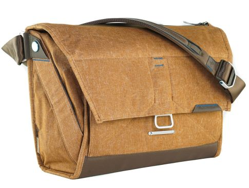 "Messenger Bags Peak Design Everyday Messenger Bag 15""<br> 3 everyday_messanger_15_2"