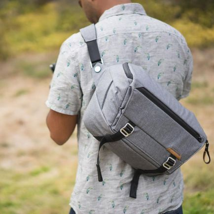Sling Bag Peak Design Everyday Sling 10L 7 everyday_sling_23_taskamera_id