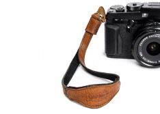 Case and Strap ONA - THE KYOTO LEATHER CAMERA WRIST STRAP