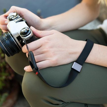 Case and Strap Peak Design Cuff Camera Wrist Strap V3 6 peak_design_cuff_taskameraid_3